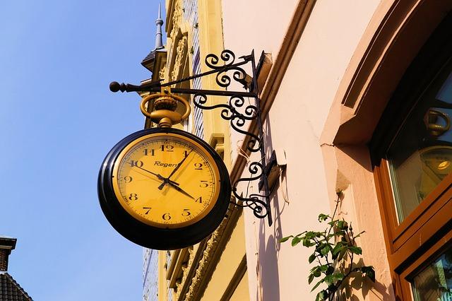 clock-338531_640